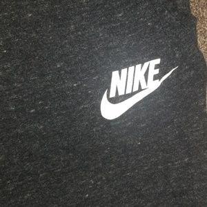 Nike dark gray capri joggers womens small